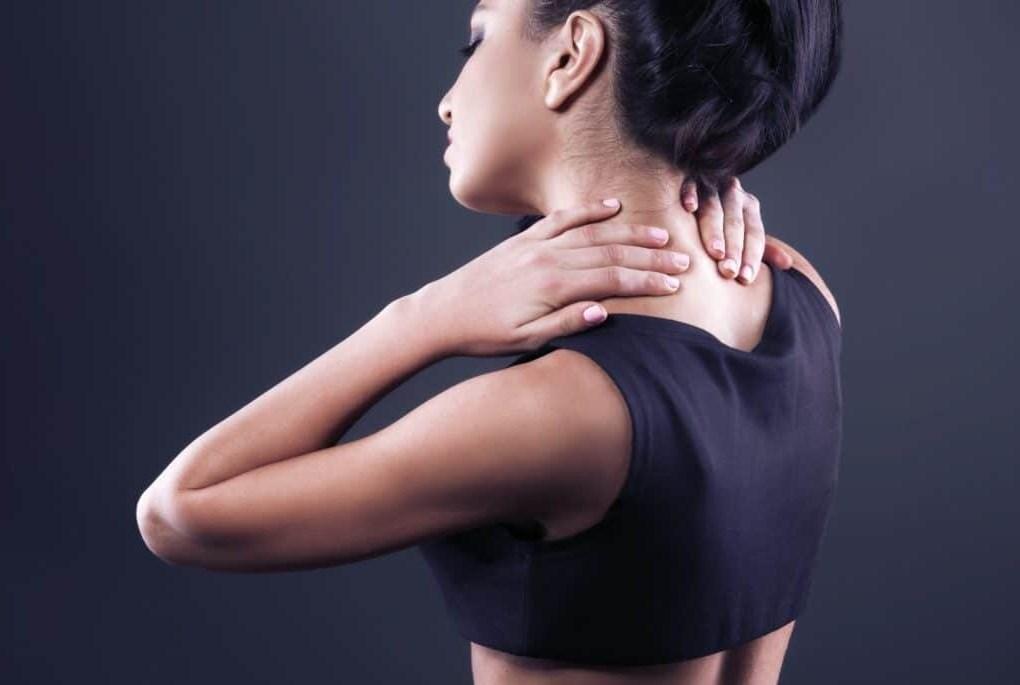 Болит голоа при шейном остеохондрозе