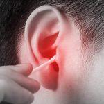 Почему образуются сухие корочки в ушах